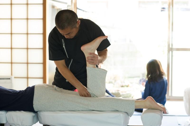 身体と会話する施術:千里丘の俊カイロ