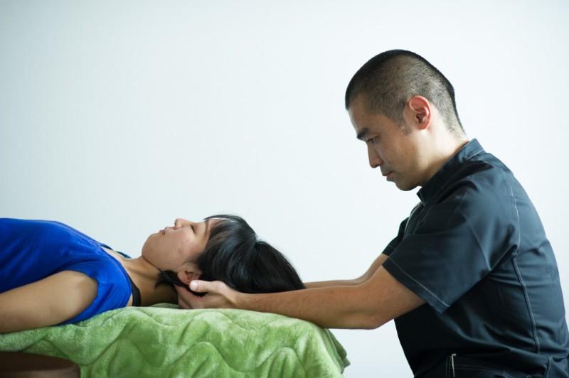 千里丘で頭蓋骨の筋肉・神経調整2