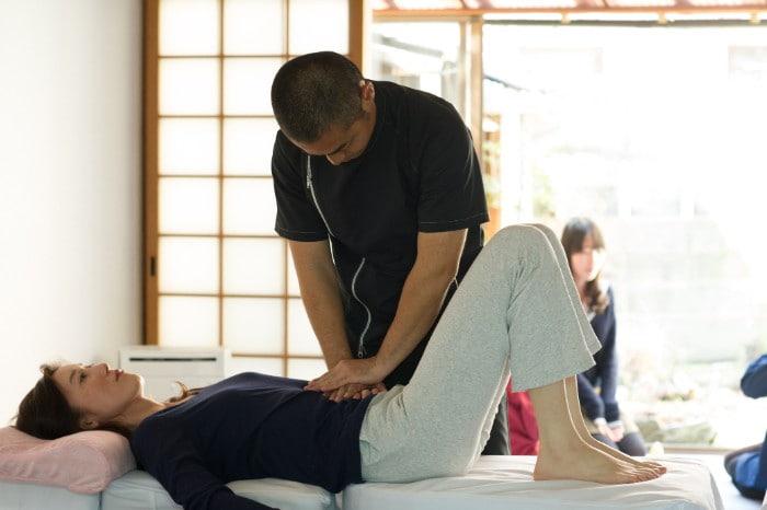 千里丘で呼吸を整える:ぎっくり腰対処